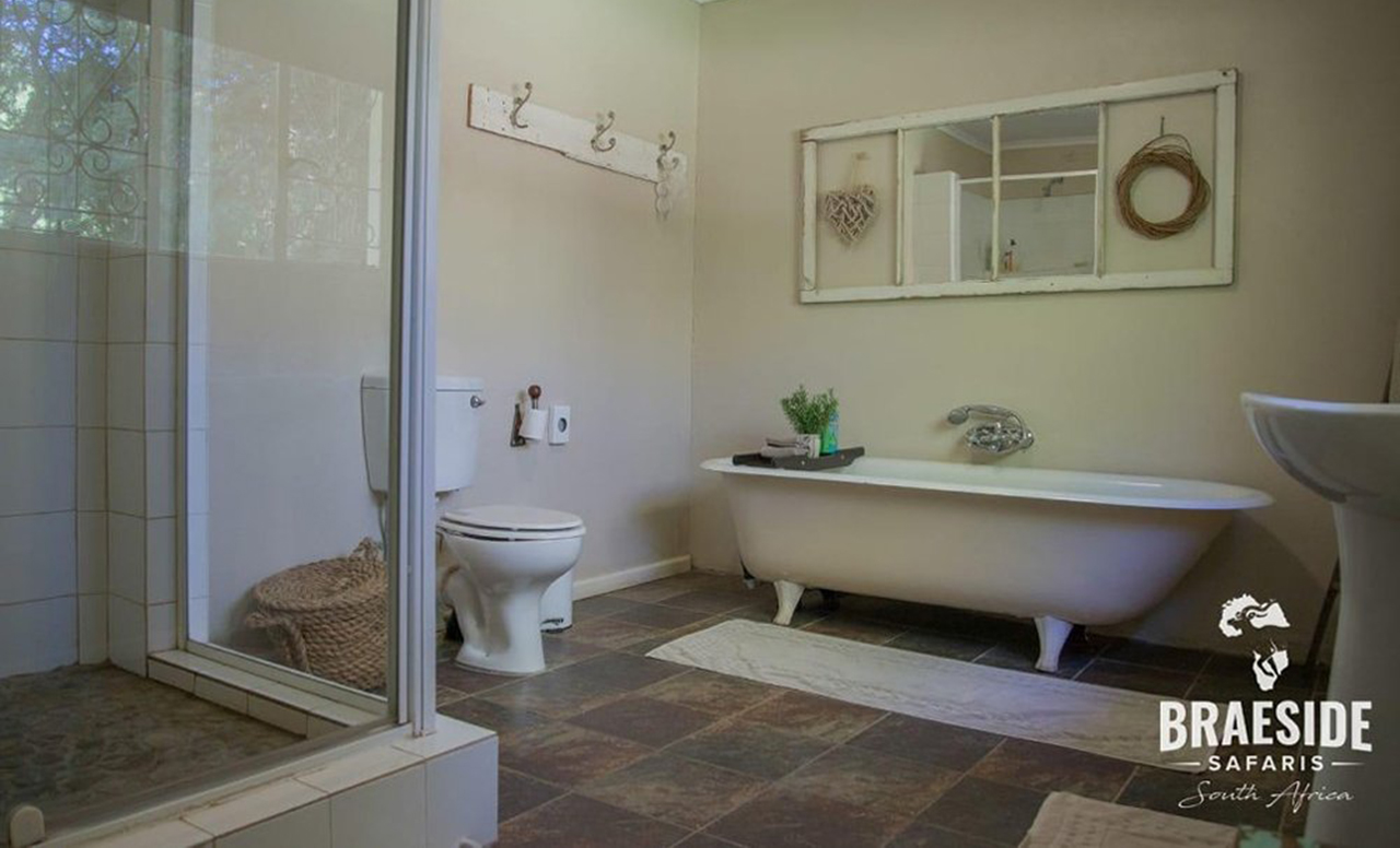 braeside country cottage accommodation bathroom